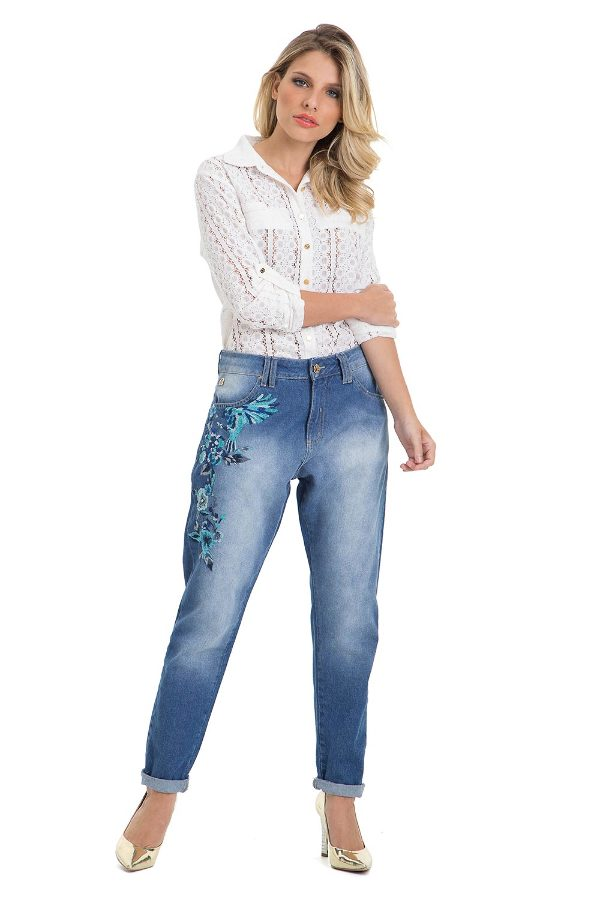 Boyfriend Pants with Embroidery