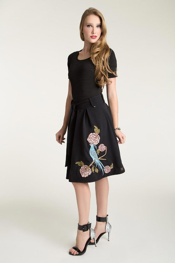 MIDI PLEATED SKIRT WITH EMBROIDERY