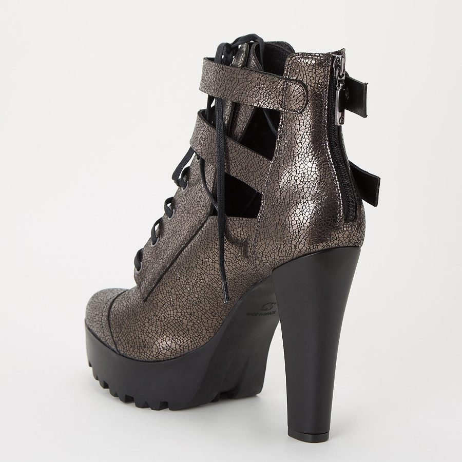 ANKLE BOOT WITH BUCKLES AND TIE