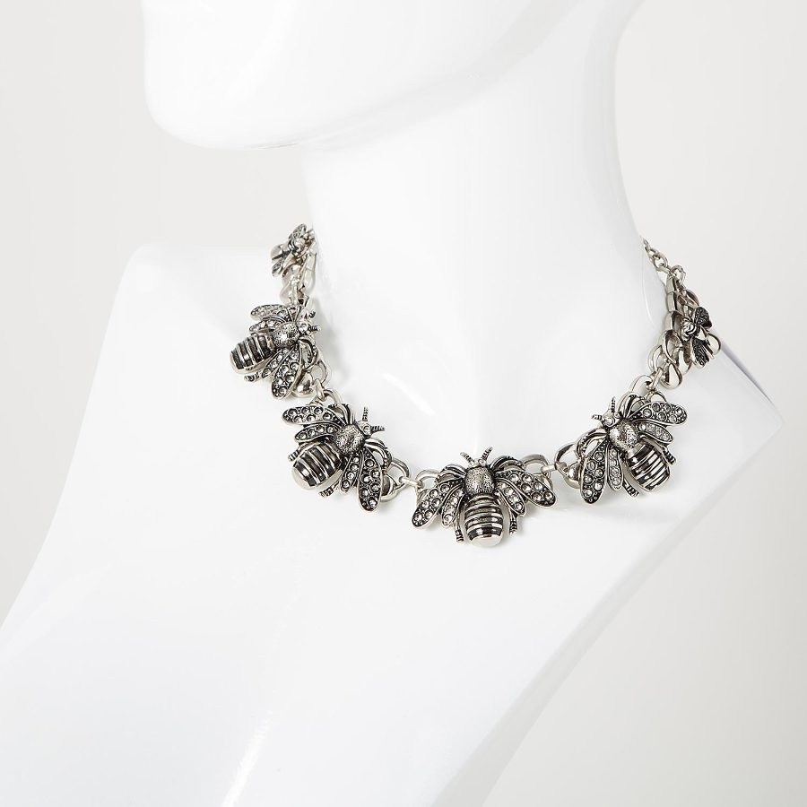 METAL NECKLACE WITH INSECT APPLIQUES