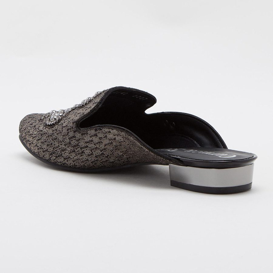 MULE STYLE SLIP-ON WITH DECORATION