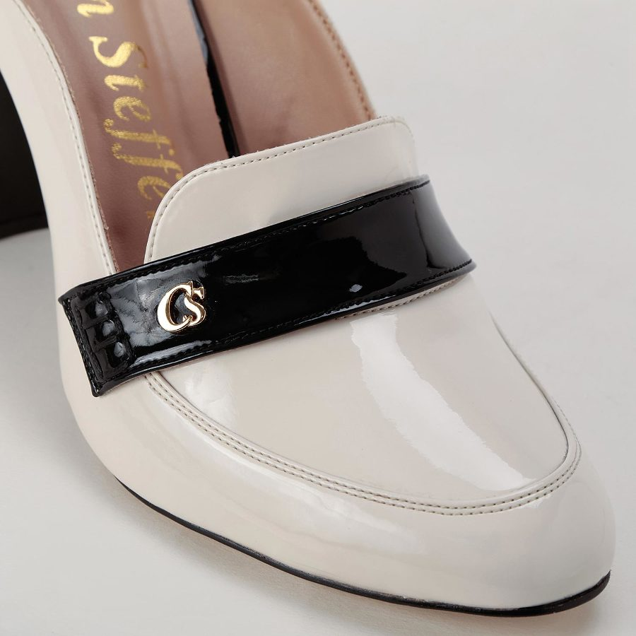 MULE STYLE PUMP WITH PERSONALIZED METAL