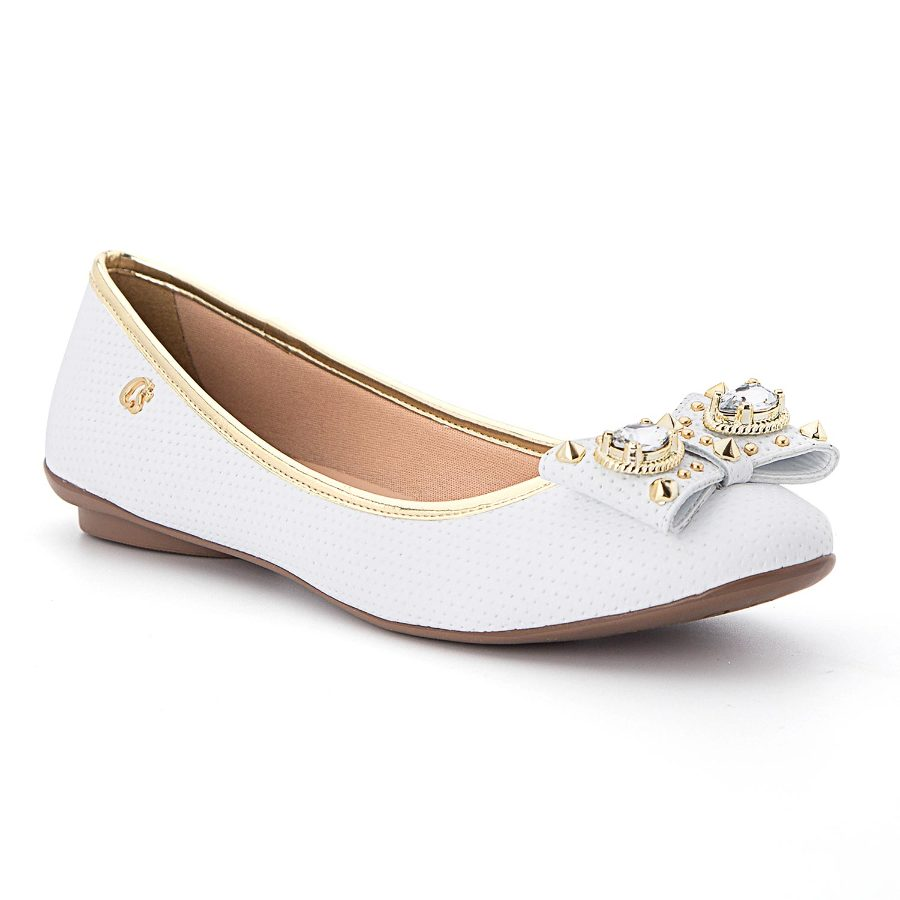 Ballerina flat with bow and metal details