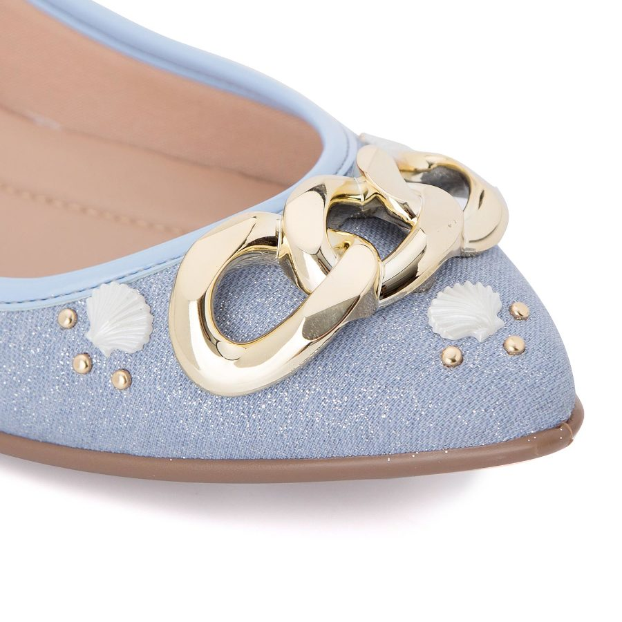 Ballerina flat with nautical ornaments