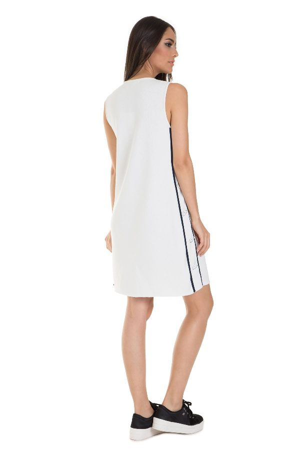 A-shape dress with side buttons