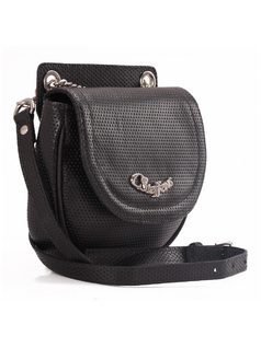 Cross-Shoulder Handbag that Becomes Fanny Back back