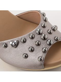 CLOG WITH APPLIQUES