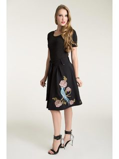 MIDI PLEATED SKIRT WITH EMBROIDERY front