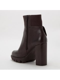 BOOT WITH APPLIQUES