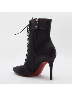 ANKLE BOOT WITH LACES