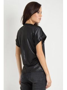 BLUSA CON APLIQUE back