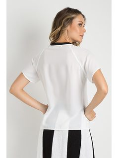 T-SHIRT CON PATCH back