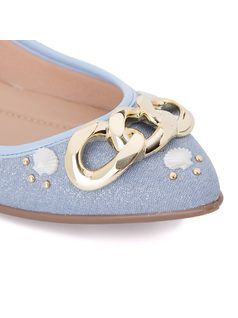Ballerina flat with nautical ornaments back