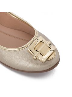 Ballerina flat with metal detail back