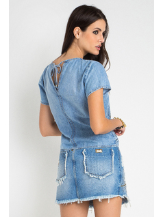 T-SHIRT JEANS COM HOT FIX