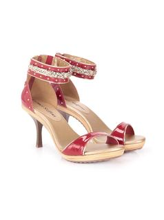 SANDAL WITH METALS back