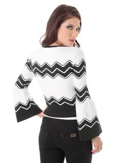 LONG-SLEEVE FLARE KNIT BLOUSE back