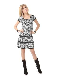 SHORT-SLEEVE KNIT PLEATED DRESS front